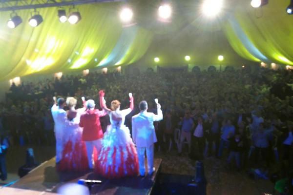 backstage-orquestramaravellaE0284B9C-62D2-6DDC-5F83-D18CD95DB1D7.jpg